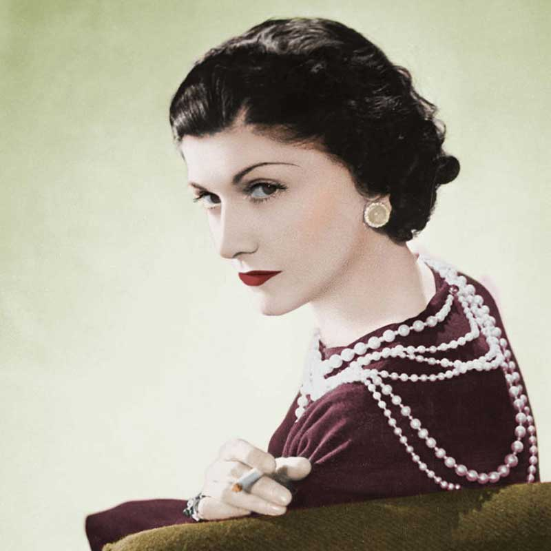 Coco chanel with her pearls